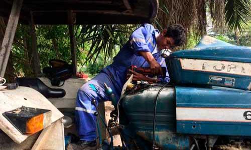 ITK Soluciones Instalando Control de Combustible en Maquinaria Agricola